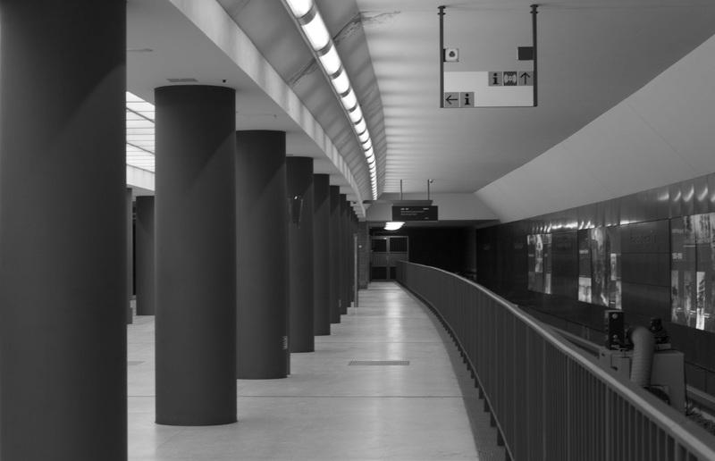 light-black-and-white-architecture-white-perspective-subway-1381656-pxhere.com (1)